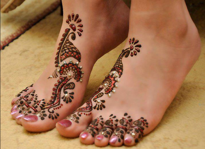 latest mahendi designs for legs