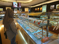 Holland Bakery Lampung Tempat Roti dan Kue Halal dan Enak Lho