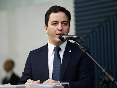 Projeto concede desconto de 30% a idosos no pagamento de taxas ao poder público