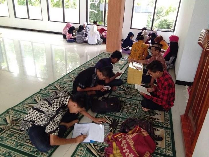 MAM Watulimo Isi Bulan Suci dengan Kegiatan Islami
