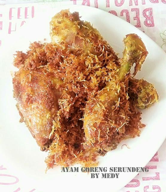 Ayam bebek goreng serundeng