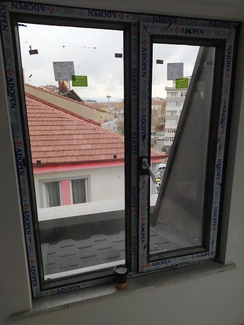 kendiliğinden pervazlı pencere kasası