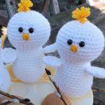 http://www.craftsy.com/pattern/crocheting/toy/the-chicks/192504?rceId=1458680795204~k67dqt7y