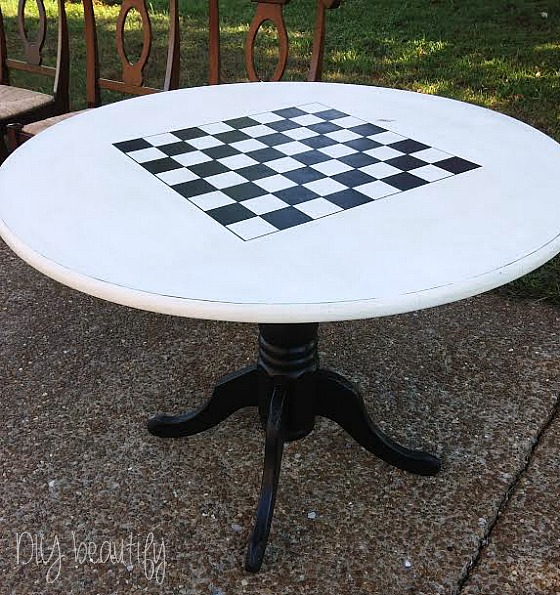 Painted checkerboard table tutorial at www.diybeautify.com