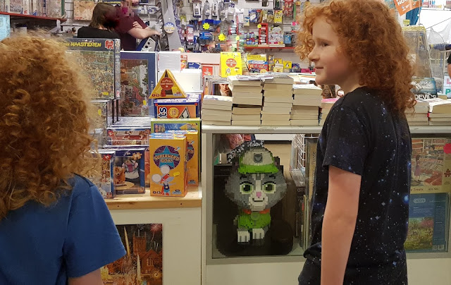 Paw Patrol LEGO Trail #Brickburn Catastrophe Kittens hidden in blackburn market