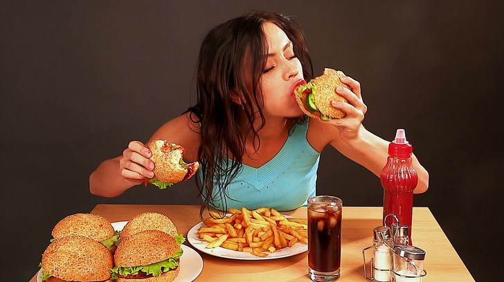 bahaya makan terlalu cepat