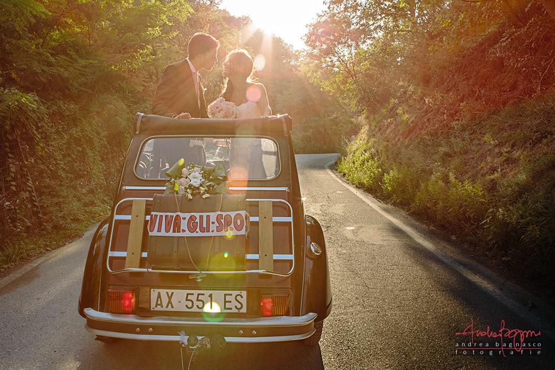 macchina vintage sposi matrimonio