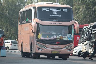 Foto Bus New Shantika Big Top Class 3D
