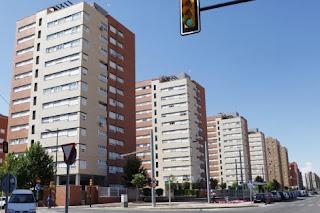 http://www.administraciondefincasdesevilla.es