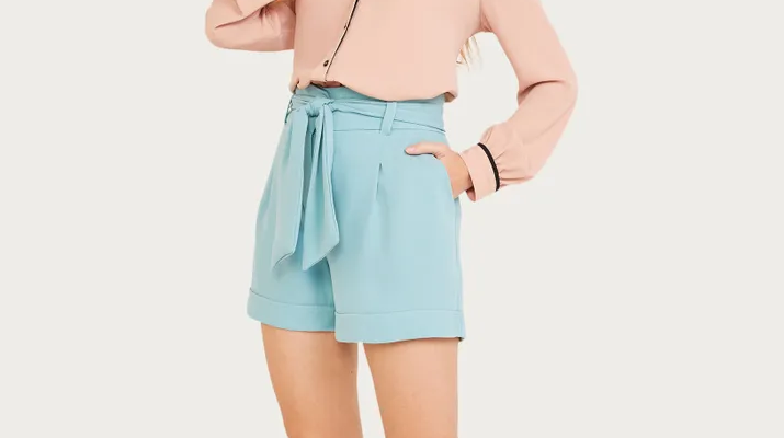 shorts shoulder