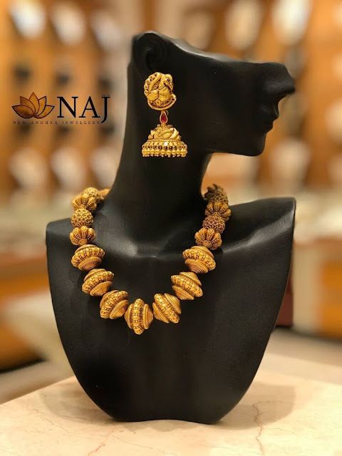 Simple Gold Necklaces by Naj Jewellery