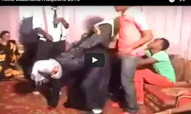 nin naag la qabo wasay oo video geeda baraha bulshada lagu baahiyay