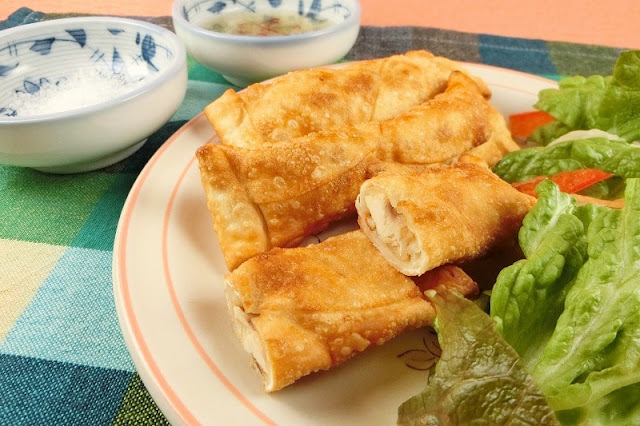 餃子の皮で簡単!ローストチキンの絶品スティックチーズのおつまみ