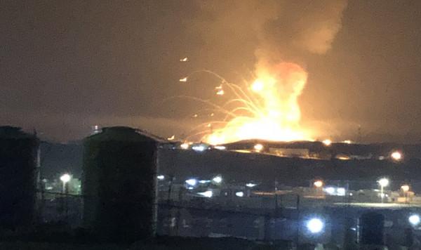 """الأردن: انفجار في مستودع للذخيرة - انفجارات الزرقاء: سلسلة انفجارات بـ""""مستودع ذخيرة""""   اسباب انفجار الاردن"""