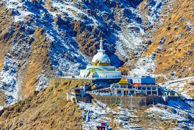 stupa budha di kota Leh Ladakh