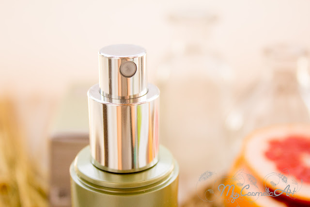 Facial Nano Spray de Vitamina C de la gama Ultra Pure Solutions de M2 Beauté.