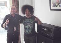 Puguh Kribo dikontrak oleh Distributor Perusahaan alat musik Ternama di Indonesia
