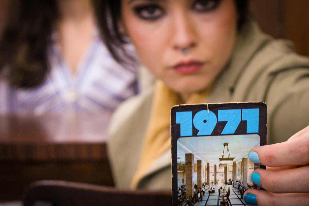 Dolores Nostalgias traz juventude e tecnologia para o universo das antiguidades, criando um modelo de negócio adequado aos tempos de pandemia. O lançamento - em 25 de janeiro, aniversário de São Paulo - será virtual, utilizando o showroom cenário para produções de conteúdo.