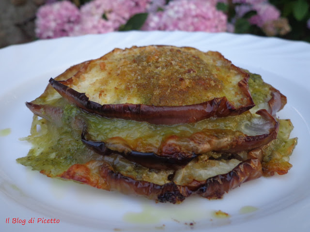 torrette di melanzane gratinate al pesto e mozzarella