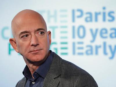 Amazon-Company-CEO-Jeff-Bezos-And-Wife-MacKenzie-Split