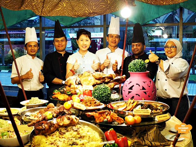 Royal Songket Grand Bluewave hotel's culinary experts