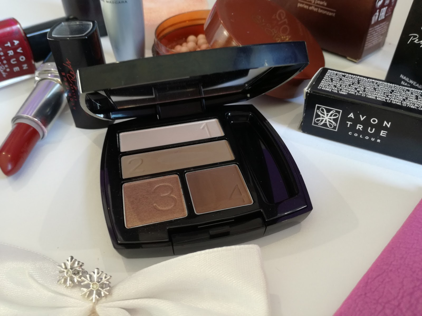 avon-True-Colour-Mocha-Latte-Eyeshadow-Quad