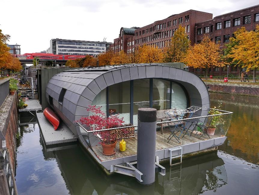 Hausboot Schwan