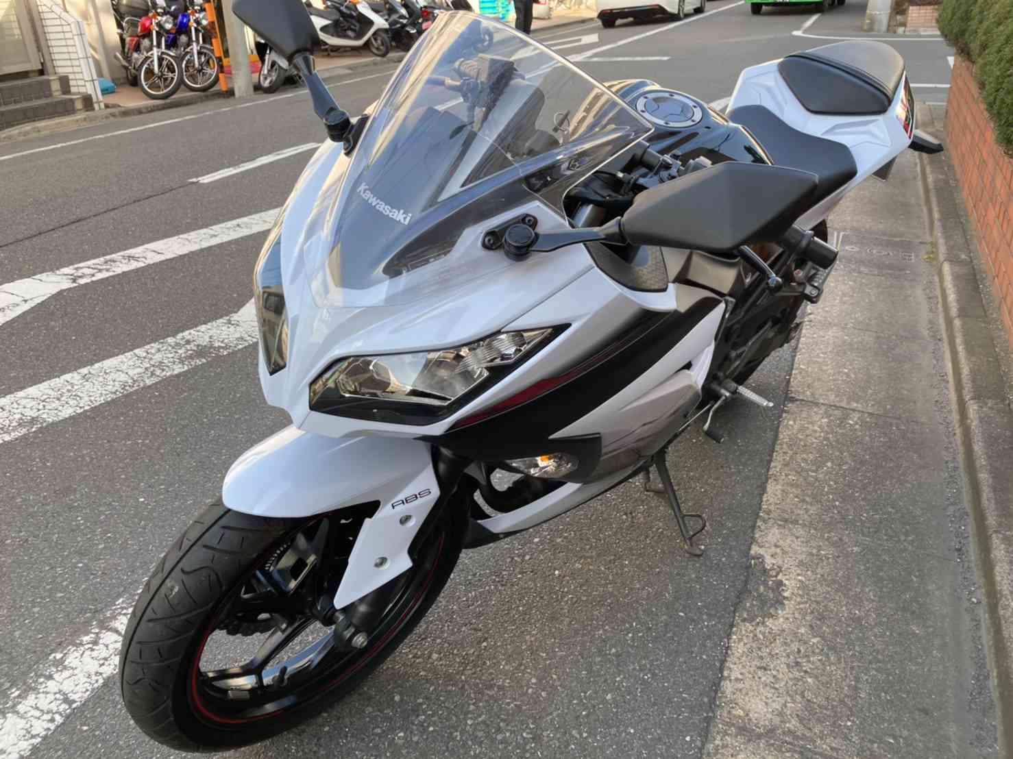 レンタルバイク【ニンジャ250】左フロント画像