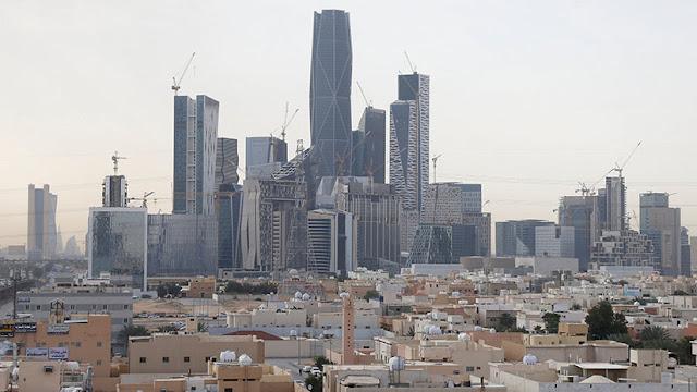 Arabia Saudita busca más de 425.000 millones de dólares para un gran programa de infraestructura