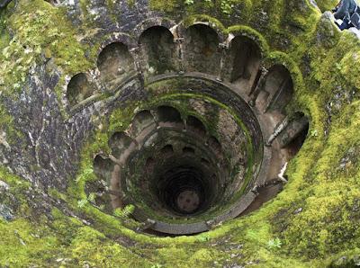 Ο «ανεστραμμένος πύργος» της Quinta da Regaleira: Ένα πηγάδι μύησης βγαλμένο από τους μύθους των Ναϊτών