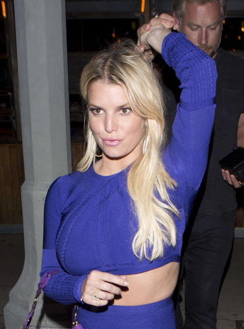 Jessica Simpson: Leaving a Birthday party