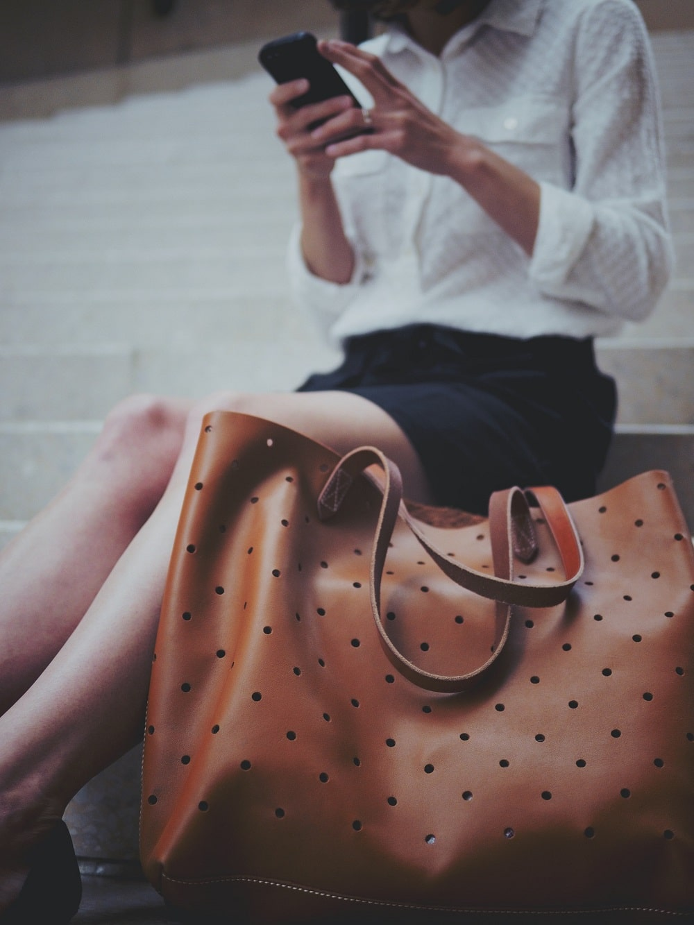 MUST HAVE PIECES IN YOUR HANDBAG COLLECTION
