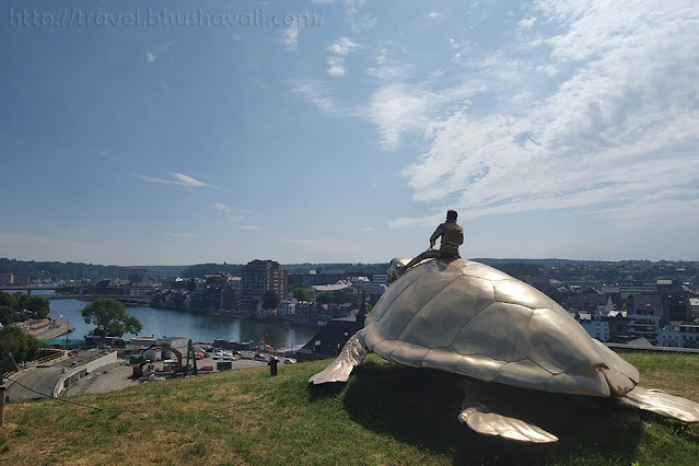 SEARCHING FOR UTOPIA (TURTLE SCULPTURE) Namur