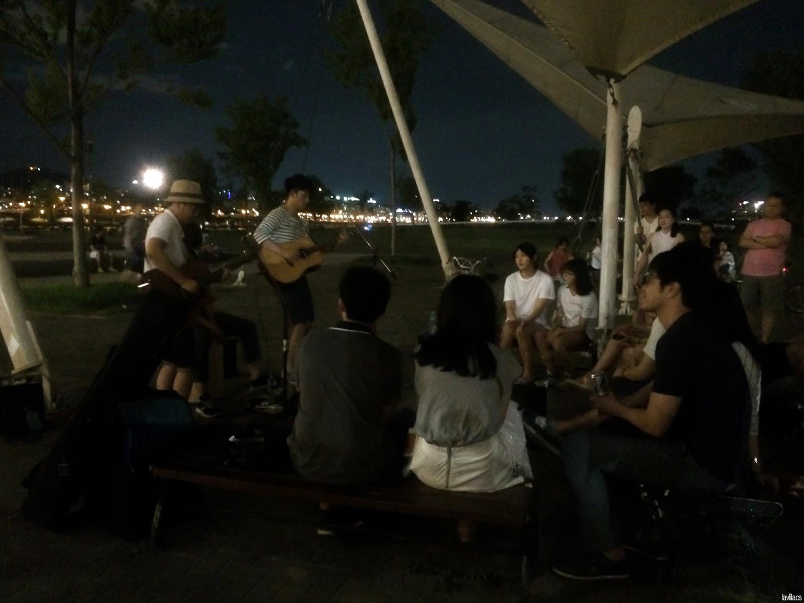 Seoul, Korea - Summer Study Abroad 2014 - Performers at Banpo Park