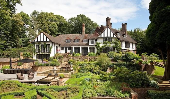 Exploring the Top Attractions Surrey (England)