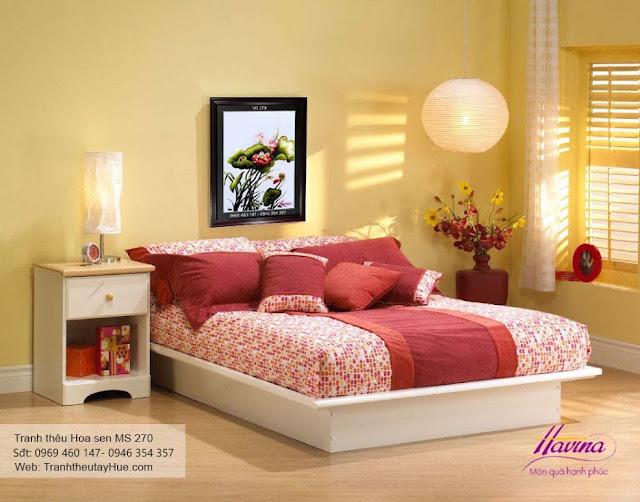 tranh thêu treo phòng ngủ