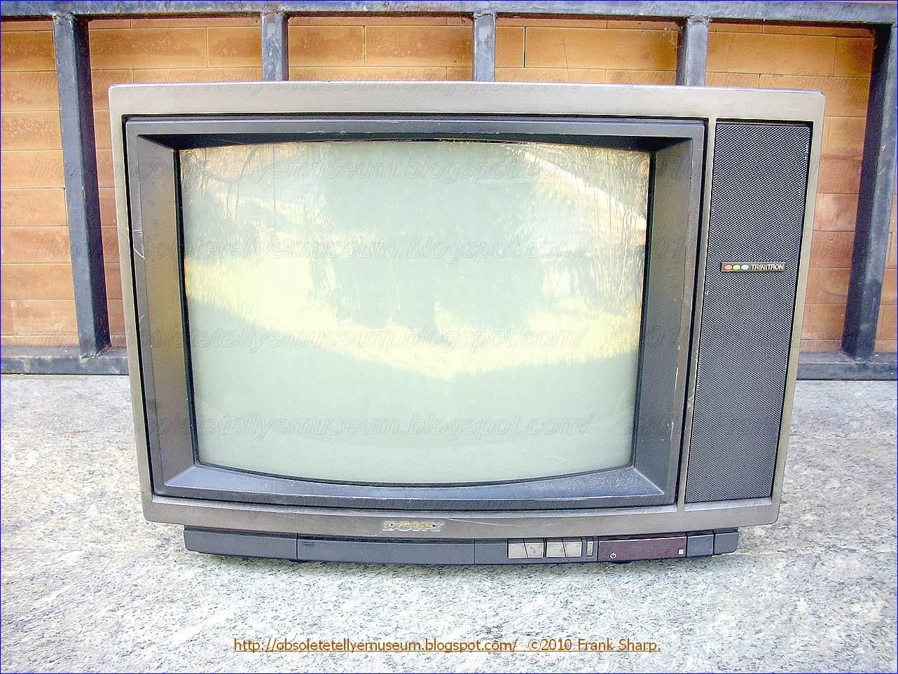 Obsolete Technology Tellye Sony Kv 2092et Year 1986  # Rangement Tele Et Sono