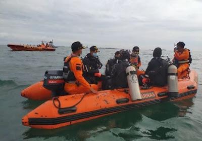 Tim SAR Temukan Potongan Tubuh Manusia yang Diduga Korban Sriwijaya Air SJ 182
