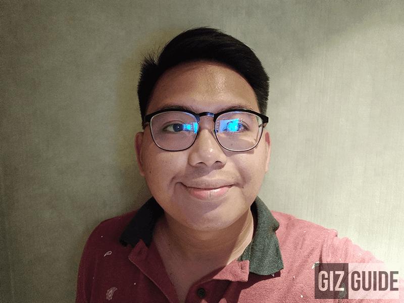 Indoor dim selfie