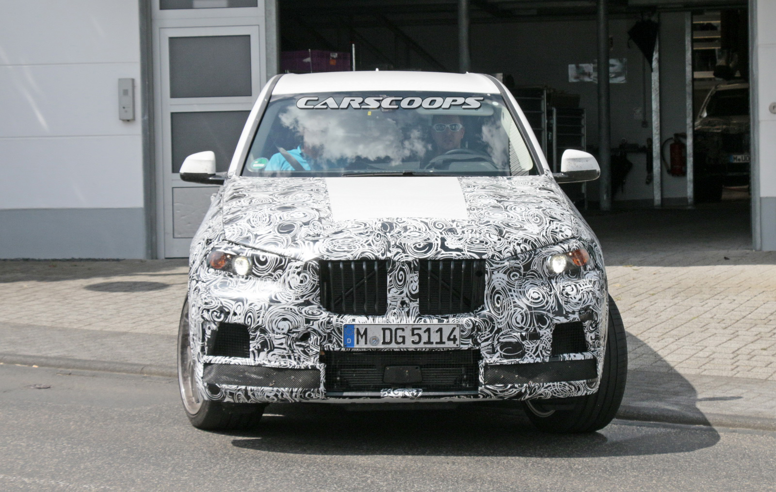 BMW-X5M-1