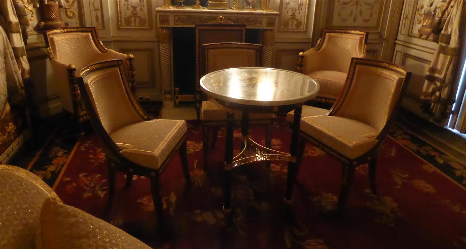 Paris bise art ch teau de fontainebleau 14 le for Garde meuble fontainebleau