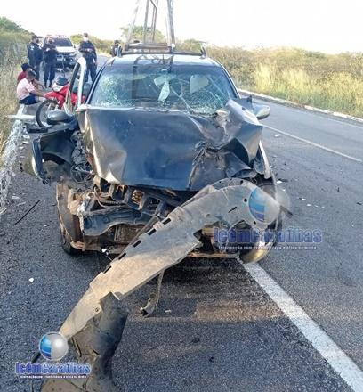 Acidente entre carro e caminhão deixa uma pessoa ferida na BR-110, entre Campo Grande e Janduís