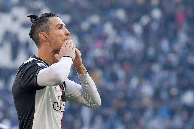 Ronaldo becomes football's first billionaire