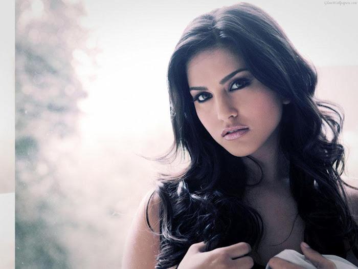 Sunny Leone Sexy And Nude Photos