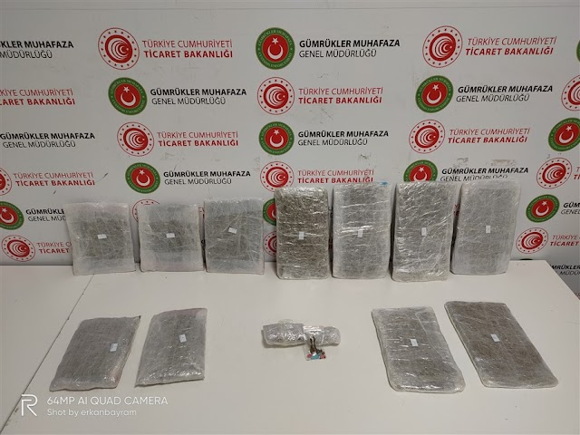 İstanbul Havalimanında Uyuşturucu Taşıyan Beş Kurye Yakalandı