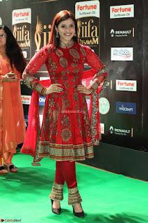 Mannara Chopra and Khushbu in Red at IIFA Utsavam Awards 2017  Day 2  Exclusive