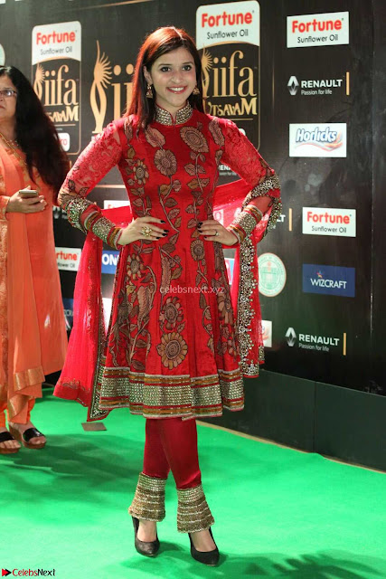 Mannara Chopra and Khushbu in Red at IIFA Utsavam Awards 2017  Day 2  Exclusive 01.JPG