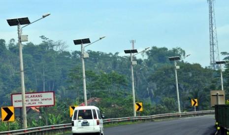 Banda Aceh Dapat Bantuan 330 Unit Lampu Jalan