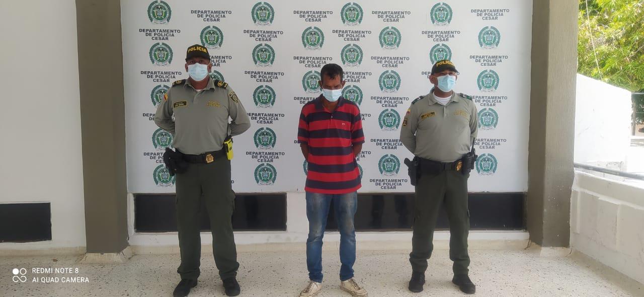 https://www.notasrosas.com/Policía Cesar captura en Valledupar, a un hombre por presunto Acceso Carnal Abusivo, con niña de seis años de edad