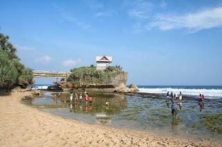 kukup beach yogyakarta